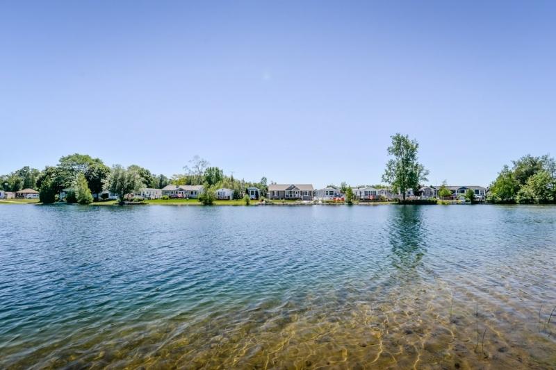 35 Trillium Beach Dr, Mini Lakes (37)