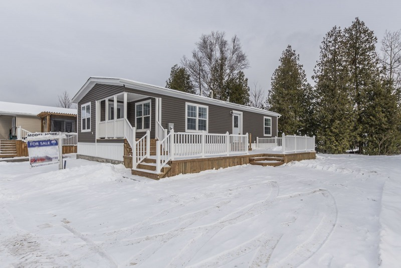 5-Sumac-St-Mini-Lakes-1