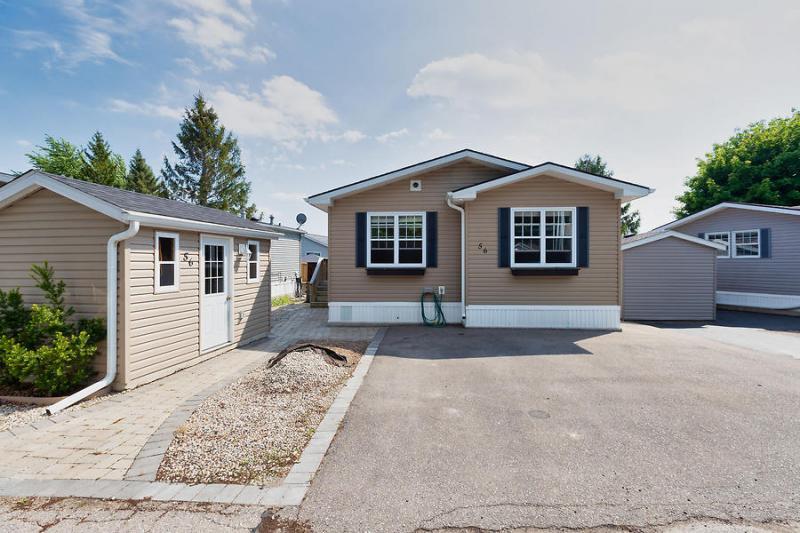 56-Jasper-Heights-Mini-Lakes-2020-Karen-Pagnan-2