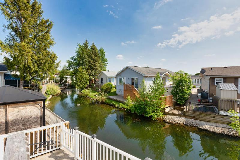 56-Jasper-Heights-Mini-Lakes-2020-Karen-Pagnan-23