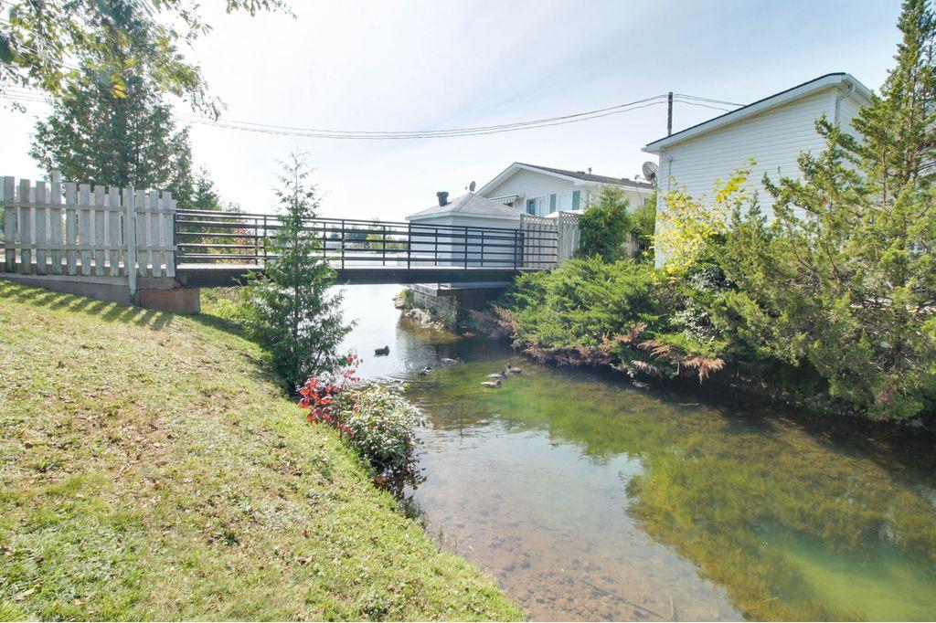Mini Lakes Bridge